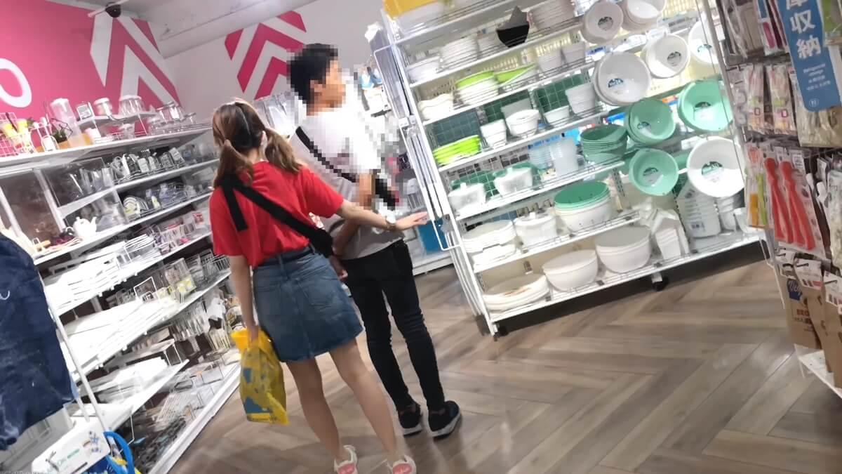 彼氏と買い物中のJD