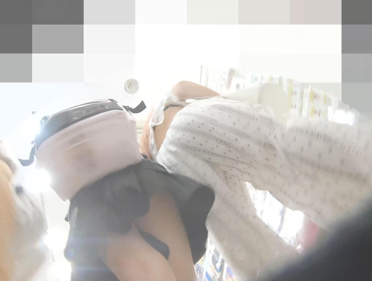 逆さ撮りでJCのブラチラが撮れた珍しい映像