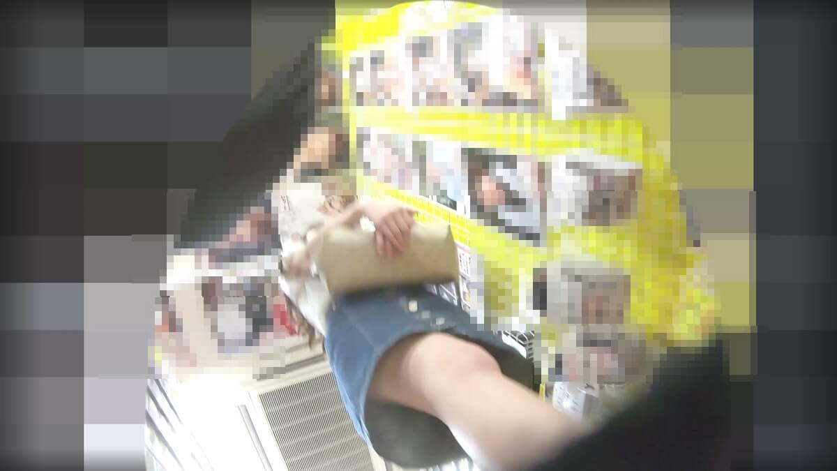 女性とすれ違う際の靴カメ映像