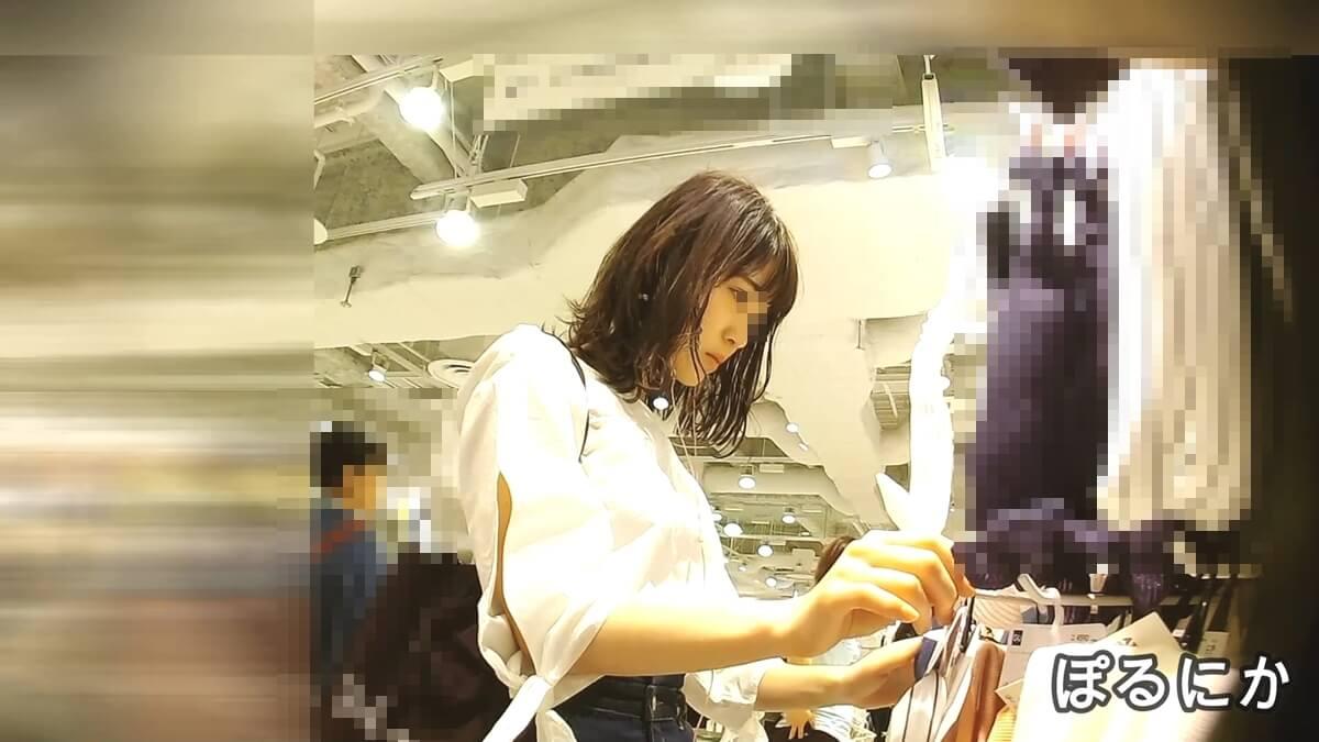 買い物中の美人の横顔を隠し撮り