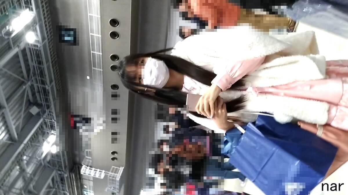 ロリータファッションの女性の顔を隠し撮り