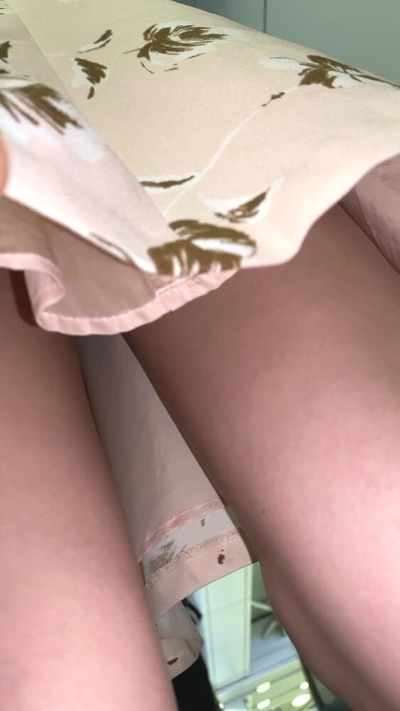 怪盗1412さんのカメラがJDのスカートの下から差し込まれる