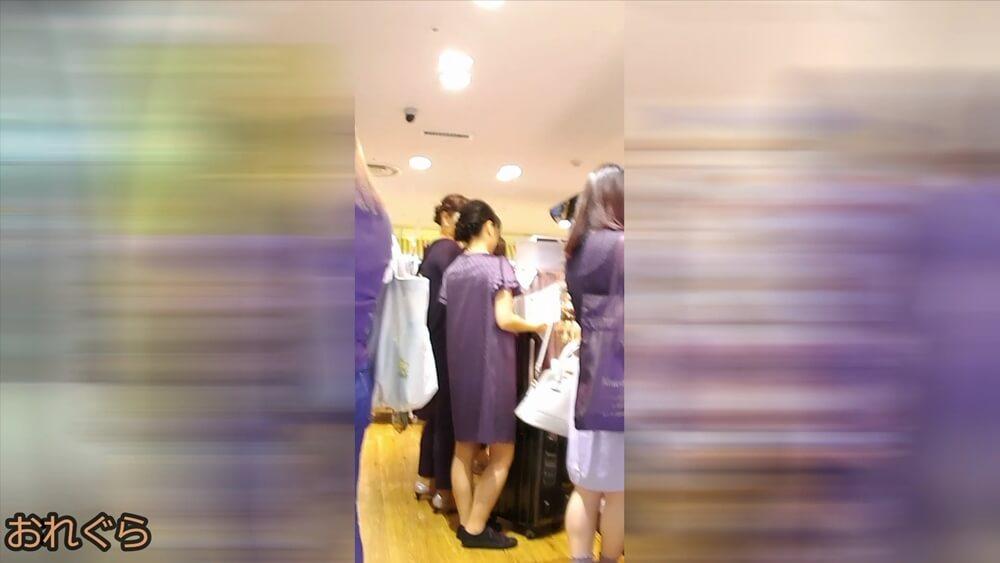 結婚式に行く感じのお姉さんの姿を隠し撮りした画像