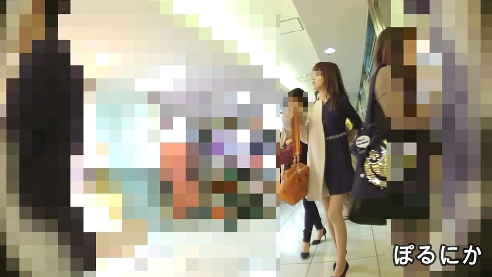 ぽるにかさんに逆さ撮りされるセクシーなお姉さんの姿を映した画像