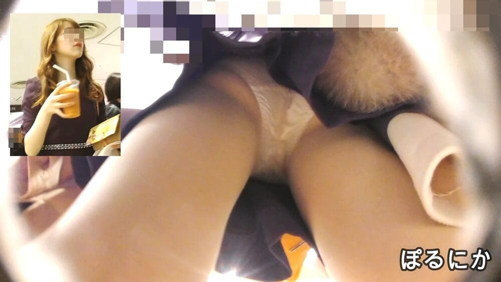 セクシーなお姉さんが立ち止まった時に逆さ撮りしたパンチラ画像