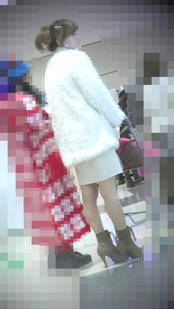 shadow stalkさんに逆さ撮りされる主婦の姿を映した画像