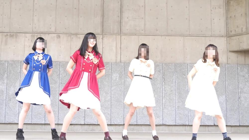 ステージで健気に踊るアイドルの画像
