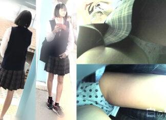 【眼鏡っ娘】スレンダー制服ロリメガネJK逆さ撮り【顔出し】 - Pcolleレビュー YMKさん - 自分の体の価値を持て余すギャップJKのコットンパンチラを前から後ろから!