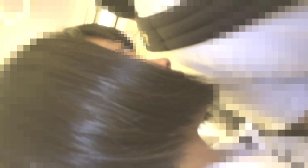 YMKさんに逆さ撮りされるJKの横顔を映した画像