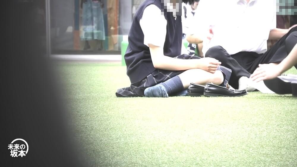 履き古した靴下を履いたJKを映した画像