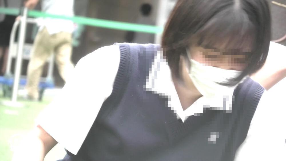 サラサラ髪のJKの顔を映した画像